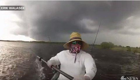 kayak-storm