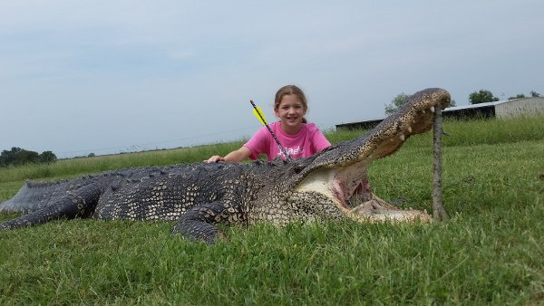 10-year-old Girl Takes Down 800-pound Alligator