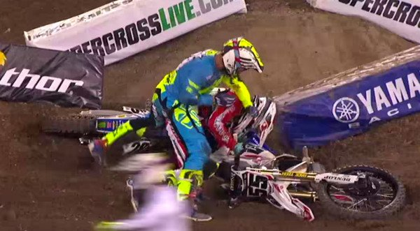 motocross fight
