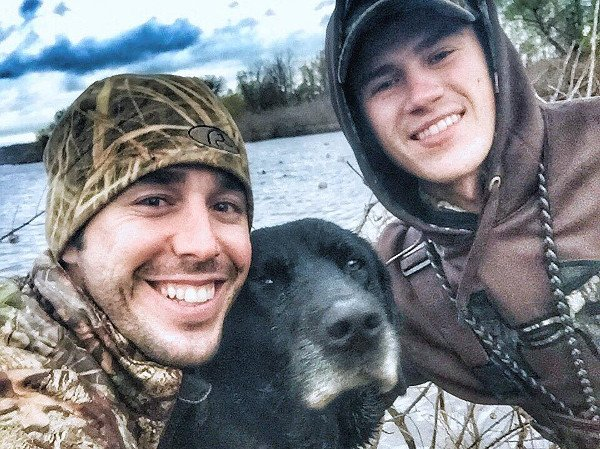 country singer found dead fishing