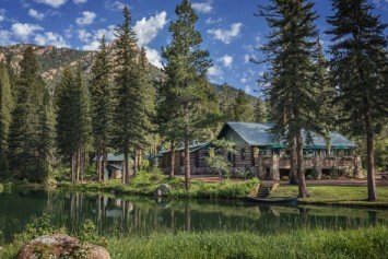 5-Star Broadmoor Resort in Colorado Offers Wilderness Experiences