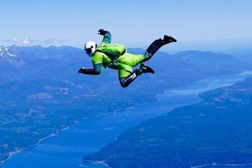 American Plans Sky Dive Without Parachute on Live TV