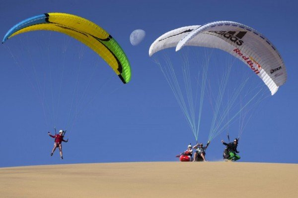 kayaking-and-paragliding-the-sand-dunes (1)