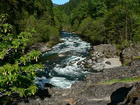 North_Santiam_River_at_Niagara_County_Park_06268