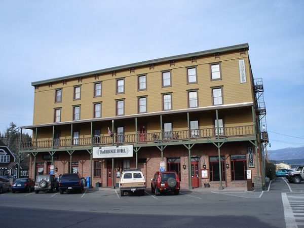 640px-Truckee_Hotel_Exterior