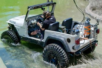 Jeep Becomes Submarine in Diesel Conversion Stunt