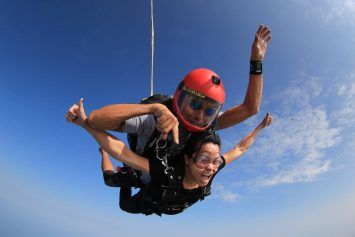 5 Best Places to Skydive in the World