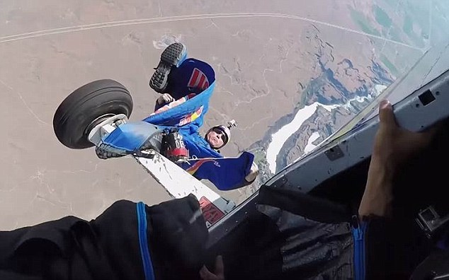 sky diver dangling