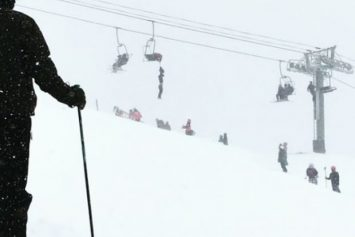 Pro Slackliner Rescues Man Dangling from Chairlift