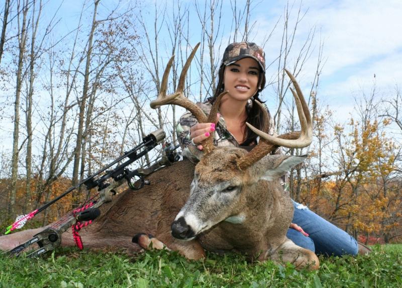 Hardcor Sexy Women Hunting Deer